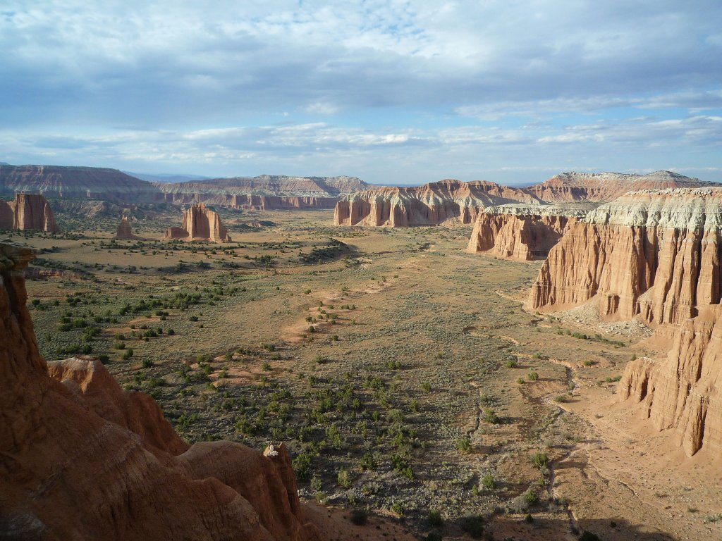 Cathedral Valley: Escalante, Scenic Byway 12, Pictographs
